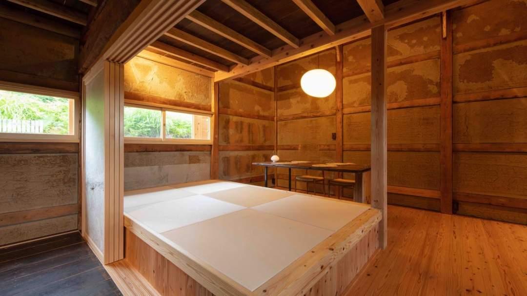 総面積64平米/寝室(2階)+リビングダイニングルーム(吹抜)+キッチン+洗面所・風呂・トイレ