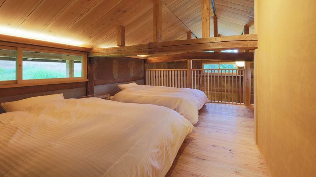 ベッド 幅120cm × 長さ195cm × 高さ35cm 2台