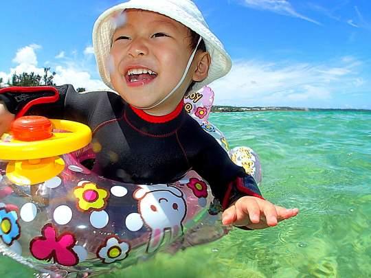 【2歳~】カヤック&南国ホワイトビーチで熱帯魚シュノーケリング★1グループ完全貸切