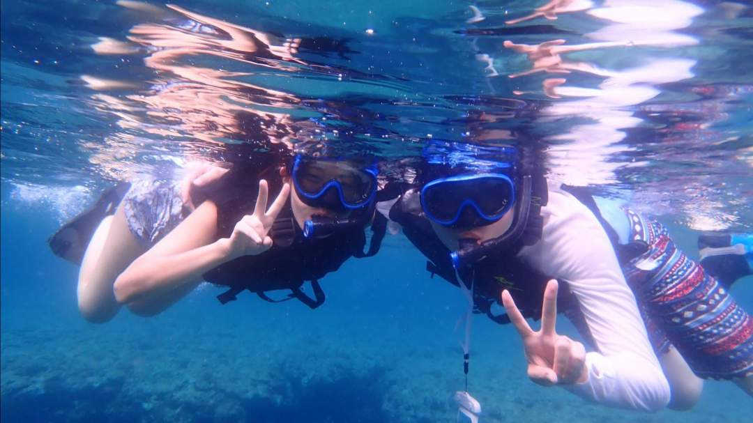 幻の島周辺の海でシュノーケリング体験! 「浜島」周辺の海は『石西礁湖』と呼ばれており、西表石垣国立公園に指定された国内最大のサンゴ礁です!