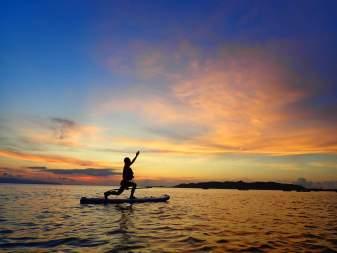 【沖縄・石垣島】【夕方】茜色の夕日に包まれる…選べるサンセットSUPorカヌー【写真データ無料】