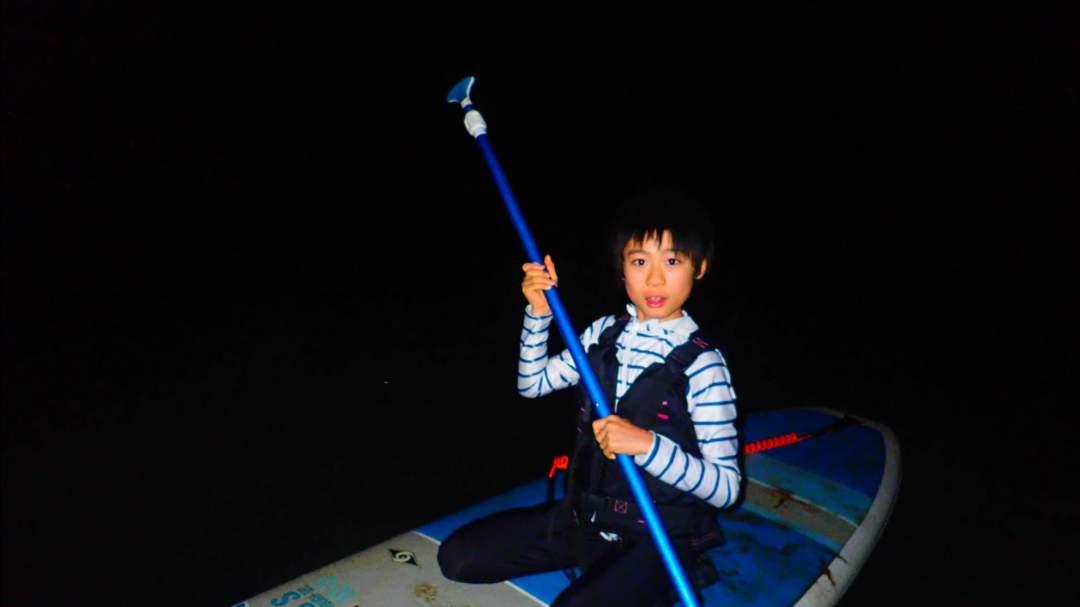 【夜のマングローブで体験】  夜のマングローブ林をSUPorカヌーで満喫していただきます!どちらのアクティビティも経験不問!ガイドがサポートいたしますのでお気軽にご参加を!