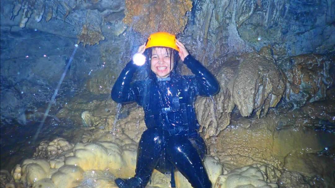 大迫力の鍾乳洞探検! 宮古島は海だけじゃない!長い年月をかけて生まれた鍾乳洞!そこでの探検はハラハラドキドキすること間違いなし!