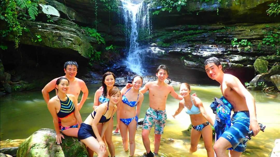 日帰り1日で西表島の2つの定番を楽しめる! 西表島の自然が育んだマングローブで滝を目指してSUP/カヌー。そして「奇跡の島」ことバラス島周辺の海でボートシュノーケリング。  2つの西表島人気アクティビティを1日で遊びつくせる大人気プラン!