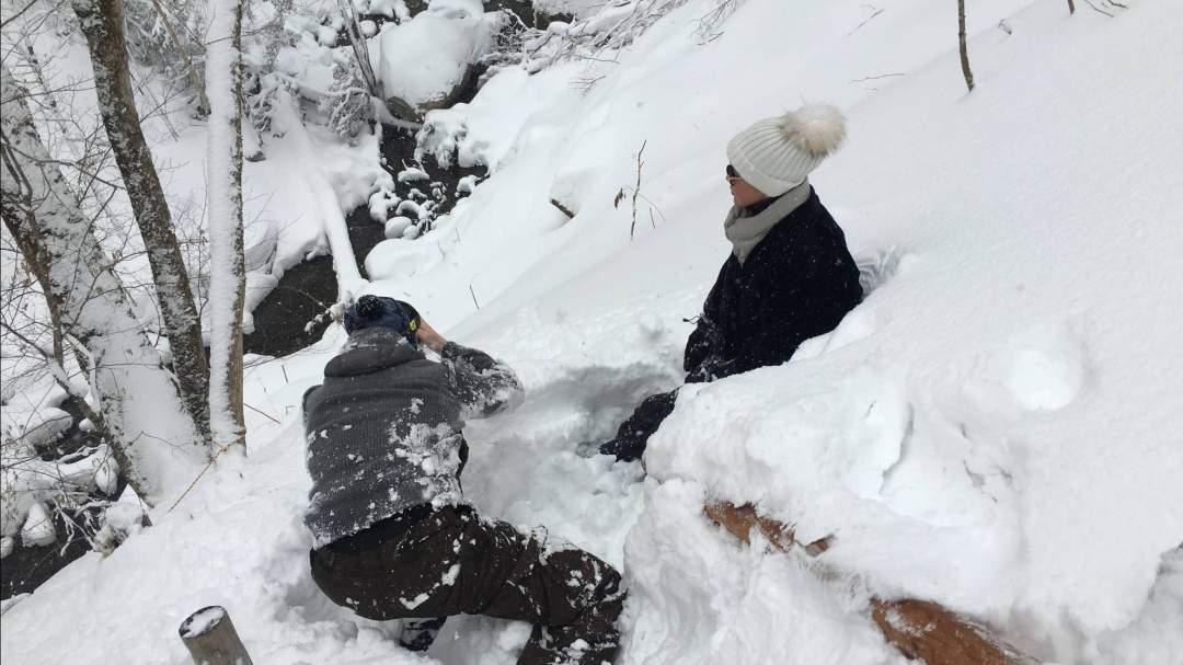 ふかふかの新雪で転んでも安心