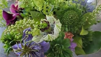 お花のある暮らしで…潤いと彩りの時を!