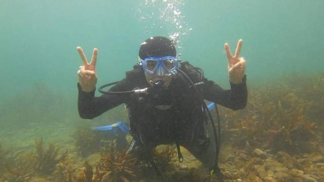 水中で記念写真