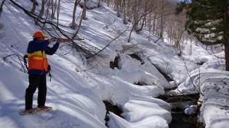 【福島県・奥会津】かんじきを履いて雪山散策! 古民家に泊まる狩猟体験ツアー!