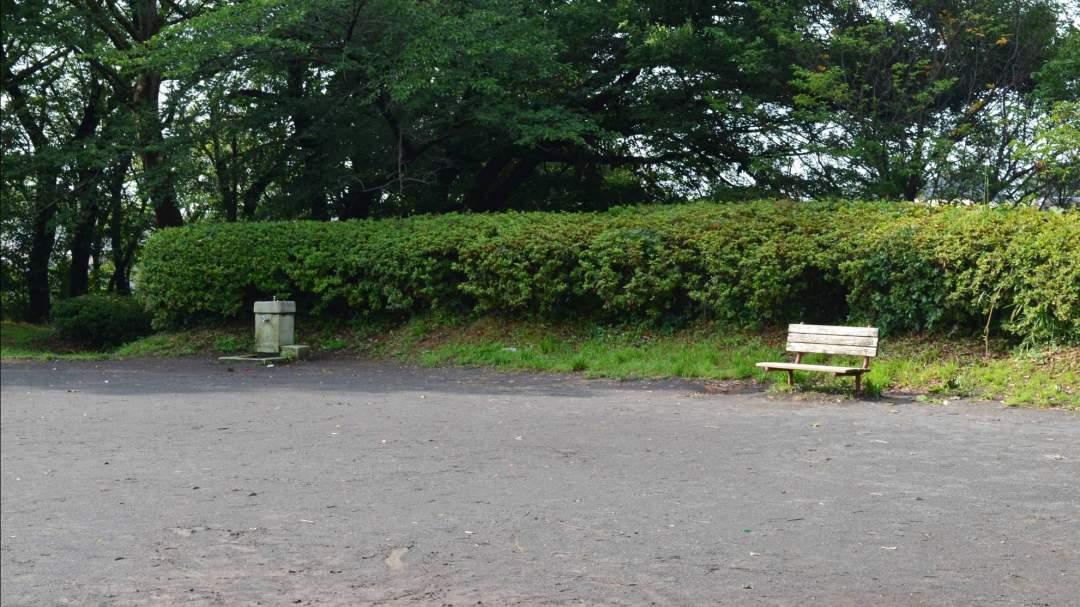 竹林が美しいみたけ台公園の広場で行います。