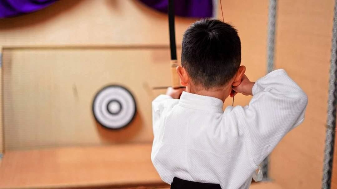 当店は日本でも数少ない、幼児、小学生が弓道体験できる施設です! 一回だけでなく、定期的に通われているお客様も多くいらっしゃいます!