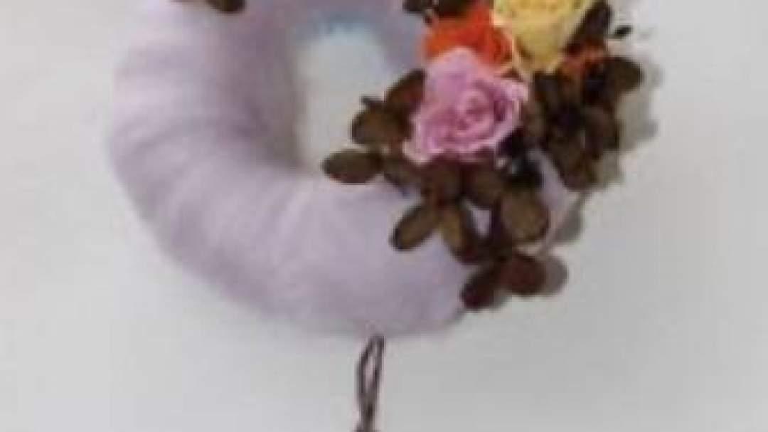 フェルトのリース「基本形」薄紫