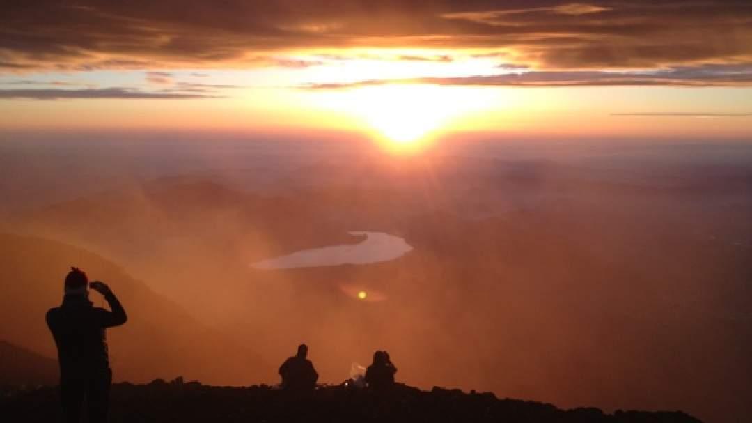 山頂でご来光を鑑賞されたい方は、是非、「山頂ご来光プラン」を!素晴らしい光景が待っています!