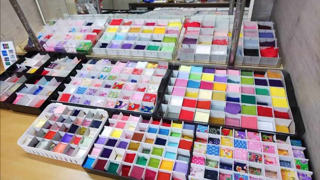 好きな布地、色、柄を選びます。