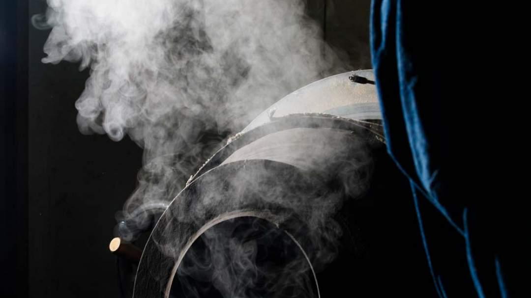 弊社のごま油はコールドプレスとも呼ばれる低温焙煎で職人が時間をかけてごまにストレスをかけないように焙煎します。 そのストレスフリーから出来た低温焙煎胡麻で出来たごまのおからなので、香ばしく栄養価も高い商品となっております。