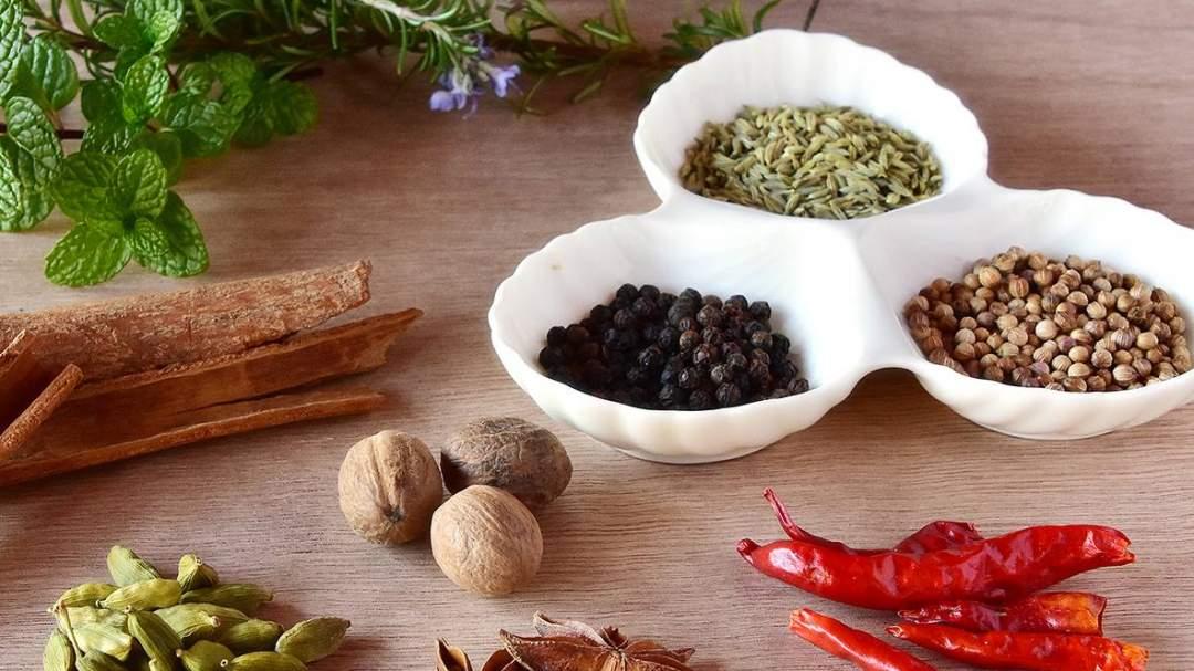 辛味成分には料理を美味しくするだけでなく、健康に役立つ作用があります。